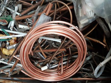 picture of scrap copper piping for recycling